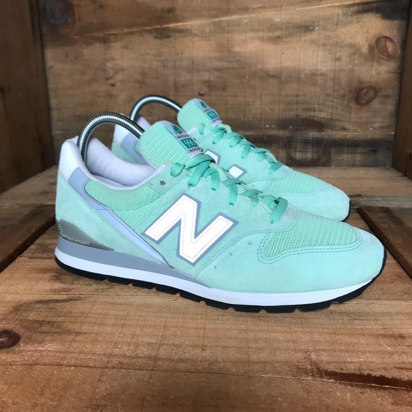 newest d5064 9c479 New Balance 996 Made in USA Mint